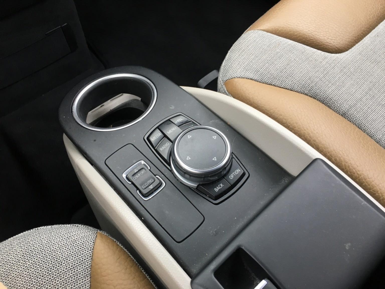 BMW-i3-13